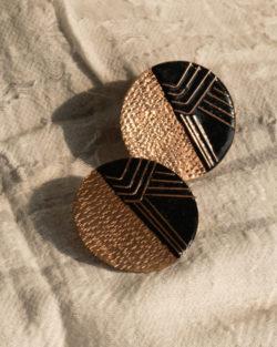 Suntop stud earring by Ekibeki